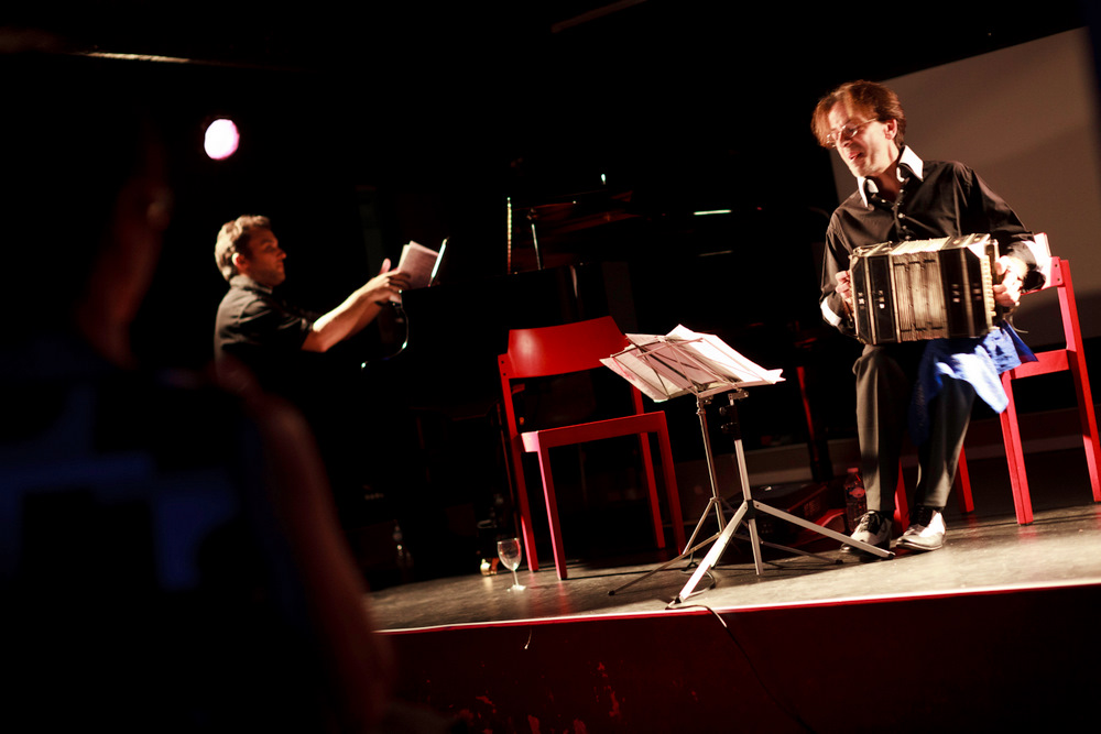 11-10-01 Concert au SUB Gabriel Sivak & Contramarca - AB (10 sur 14) © Cyril Ananiguian