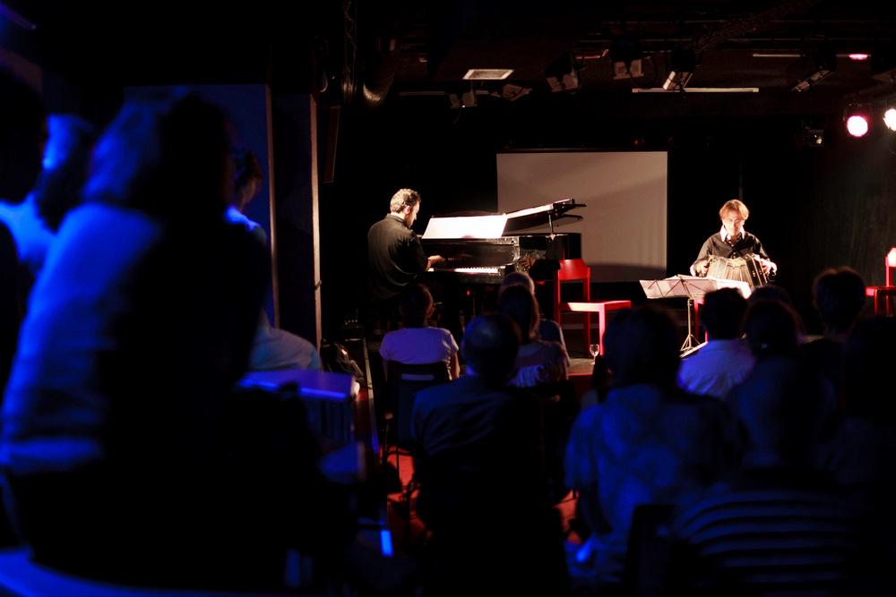 11-10-01 Concert au SUB Gabriel Sivak & Contramarca - AB (12 sur 14) © Cyril Ananiguian