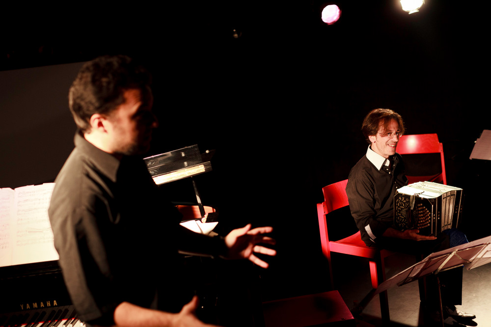 11-10-01 Concert au SUB Gabriel Sivak & Contramarca - AB (3 sur 14) © Cyril Ananiguian