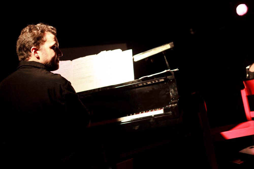 11-10-01 Concert au SUB Gabriel Sivak & Contramarca - AB (4 sur 14) © Cyril Ananiguian